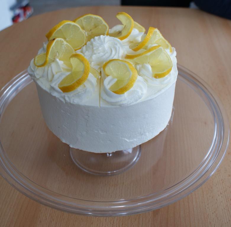 tort-cytrynowy-ze-smietanka